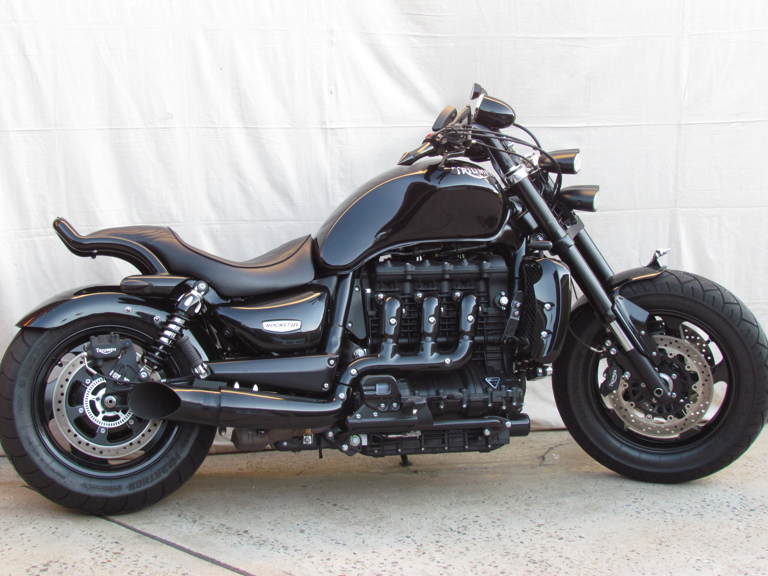 custom parts custom parts triumph rocket 3. Black Bedroom Furniture Sets. Home Design Ideas